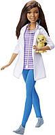 Barbie Афро-американка ветеринар из серии профессии Careers Pet Vet Doll African American DHB19