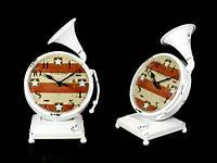 Белые настольные часы в стиле ретро Граммофон