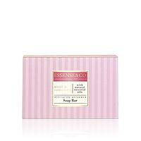 Душистое мыло с натуральными эфирными маслами розы и сандала и питательным маслом ши деликатно очищает кожу и