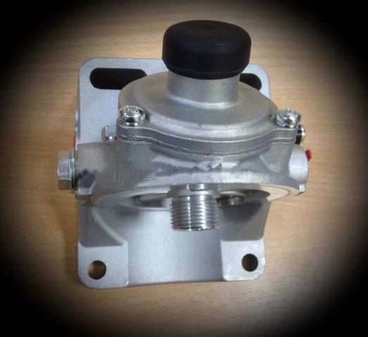 Фильтр предварительной очистки топлива с насосом подкачки и водоотделителем, арт. 02113832 DEUTZ