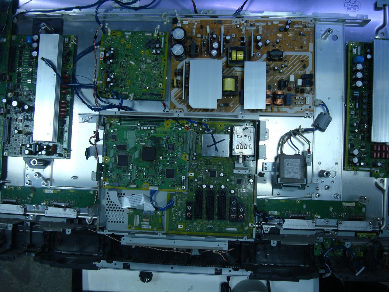 Плазма Panasonic TH-42PA60E на запчасти (MC106W36FC9, TNPA-3759 1 H)