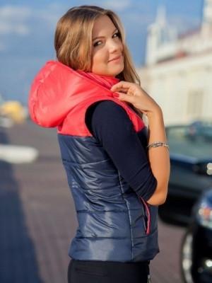 Куртка-жилетка – практичная вещь на осень