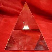 Пирамида из хрусталя