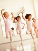 Уроки танцев для мам и малышей
