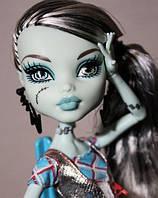Кукла Monster High Фрэнки Штейн (Frankie Stein) из серии Убийственно стильные Монстр Хай Mattel