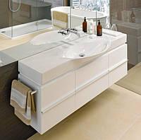 Квадратная тумба в ванную с полотенцедержателем