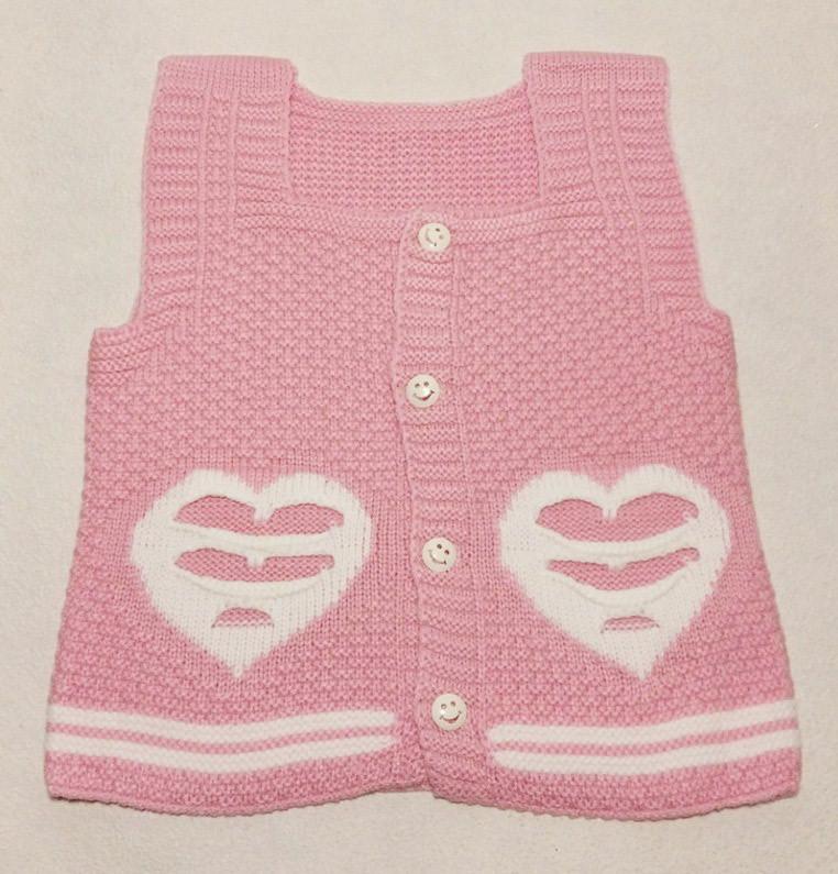 Детская жилетка для девочки вязаная Сердечки