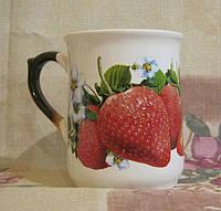 Чашка узкая (клубника)