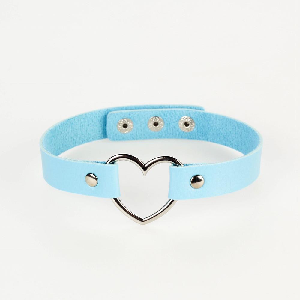 Кожаный чокер с сердцем голубой