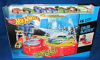 Трек Хот Вилс, бластер и 7 машин меняющих цвет, Hot Wheels Color Blaster with7 Color Change Cars из США, фото 1