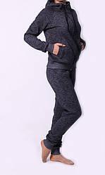 Модный женский трикотажный спортивный костюм