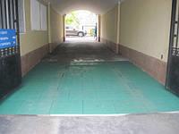 Резиновая антискользящая плитка на проездных участках