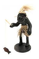 Фигурка из дерева Папуас рыбак