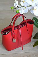 Красная сумка-шоппер из Италии