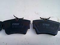 Тормозные колодки задние на Renault Trafic, Opel Vivaro, Nissan Primastar
