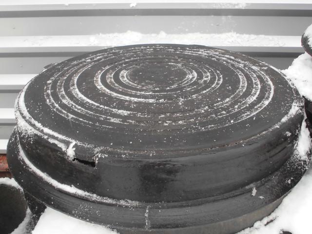 Люк полимерпесчаный средний (до12т) черный