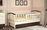Детская кровать для комнаты в светлых тонах  «Конфетти»