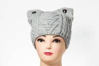 """Женская шапка """"Пуговица"""" с ушками"""