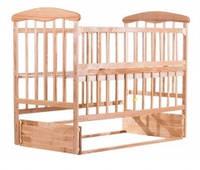 Кроватка для новорожденных Наталка с маятником и откидной боковиной, цвет светлый
