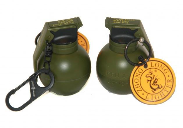 Зажигалка брелок граната маленькая с карабином 004
