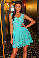 Восхитительное нарядное короткое платье с перфорацией мятное