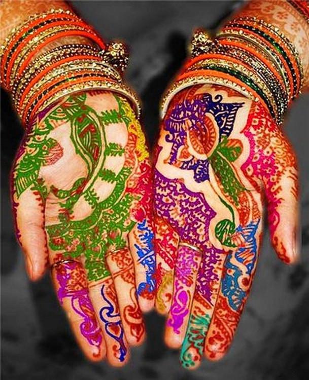 Мехенди при помощи цветной хны