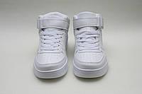 Белые кроссовки. Кроссовки унисекс на шнурках и липучке.