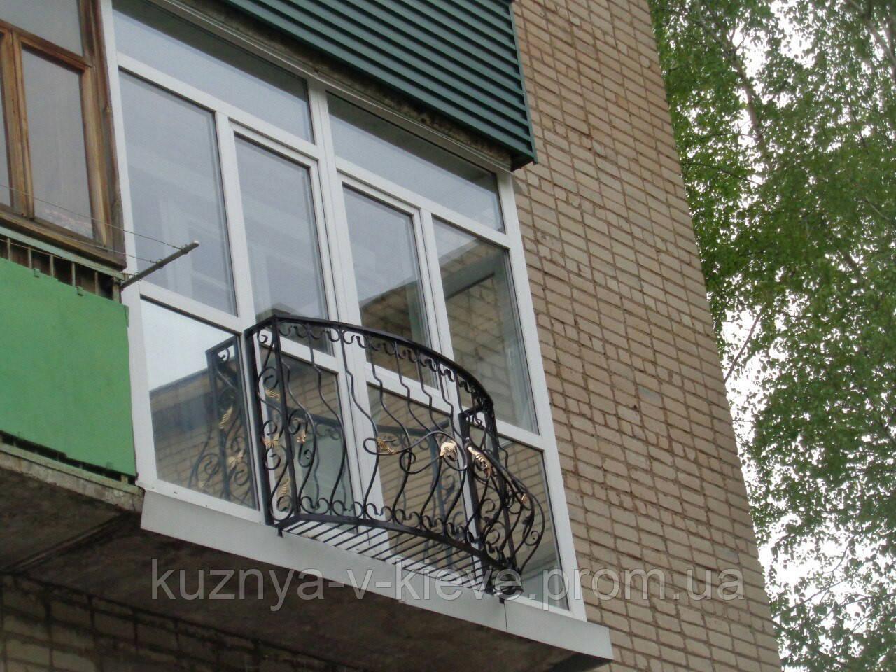 Декоративный балкон