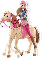 Кукла Барби и лошадь,езда верхом. Лошадка ходит, Барби запрыгивает на неё и ездит верхом Barbie saddle and Rid