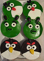 """Капкейки домашние """"Angry birds"""" с изюмом и курагой украшением кондитерской мастикой"""