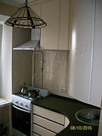 Кухня со столешницей с искусственного камня