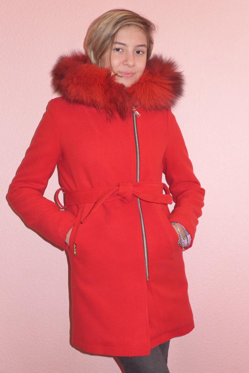 Детская одежда.   Пальто кашемировое-зимнее(красное)