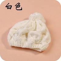 Стильная модная шапка для девушки