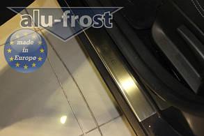 Накладки на пороги Renault Megane III 4D / 5D 2009+