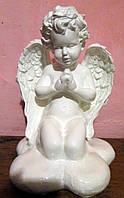 Скульптура ангелочка на  облачке из полимера 29 см