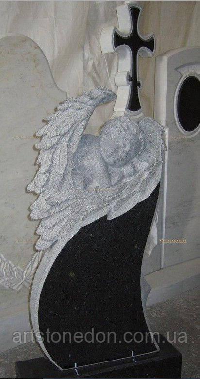 Памятник детский с резным ангелочком