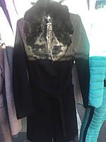 Демисезонное классическое пальто с мехом