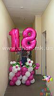 Колонны из воздушных шаров с фольгированными цифрами