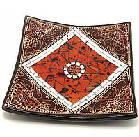 Деревянная тарелка с мозаикой