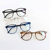 Имиджевые очки в тонкой оправе унисекс