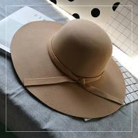 Шляпа женская фетровая с широкими полями бежевая