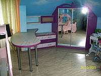 Угловой шкаф-купе в мансардное помещение