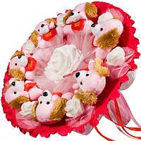 Букет из мягких игрушек Собачки с белыми розами