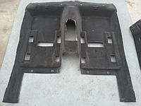 Задняя часть обшивки пола авто
