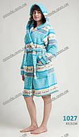 Женский махровый халат на запах средней длины