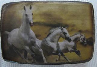 Деревянные магниты с лошадью