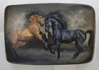 Оригинальный сувенирный магнит  с изображением символа 2014 года - лошади купить недорого