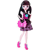 Кукла Монстр Хай Дракулаура из коллекции Первый день в школе. First Day of School Draculaura