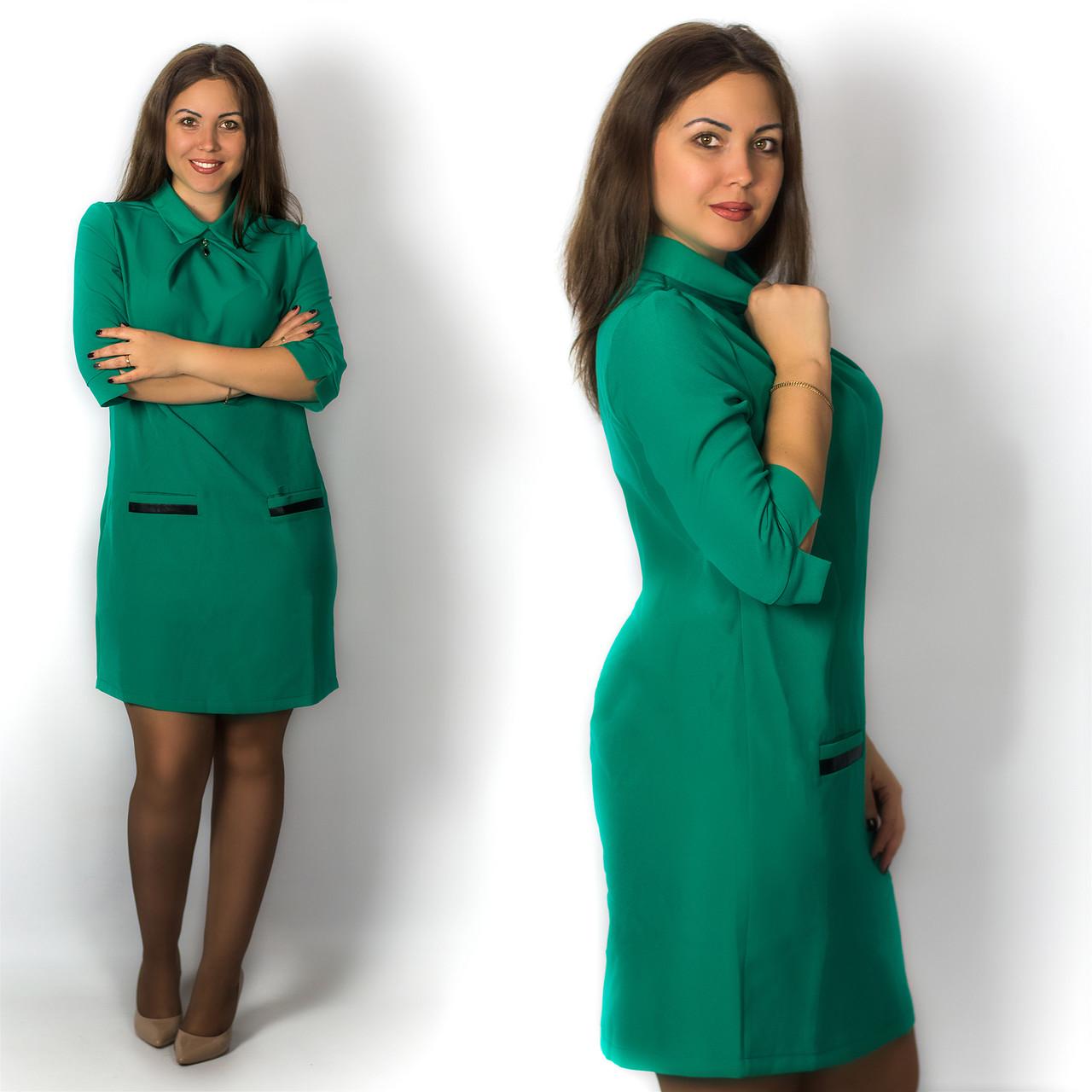 Зелёное платье с карманами