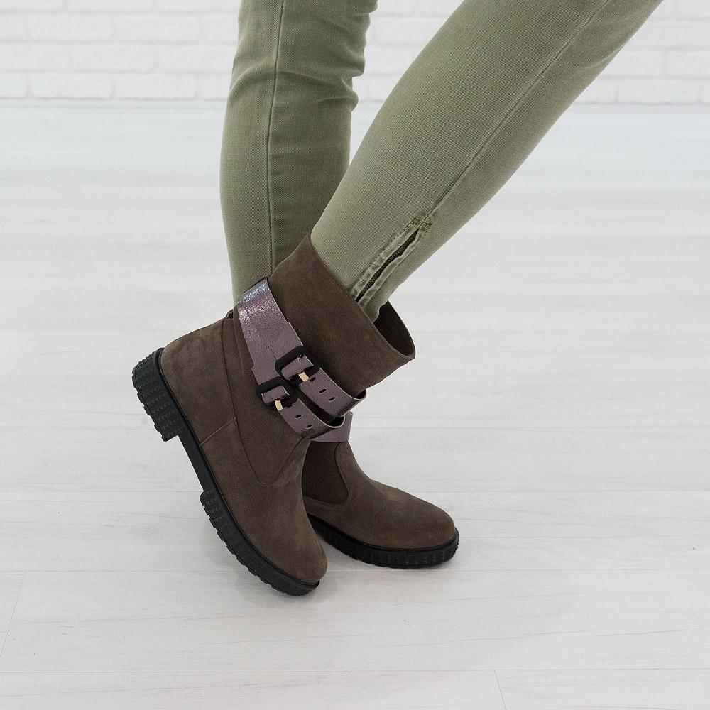 Ботинки из натуральной замши капучино
